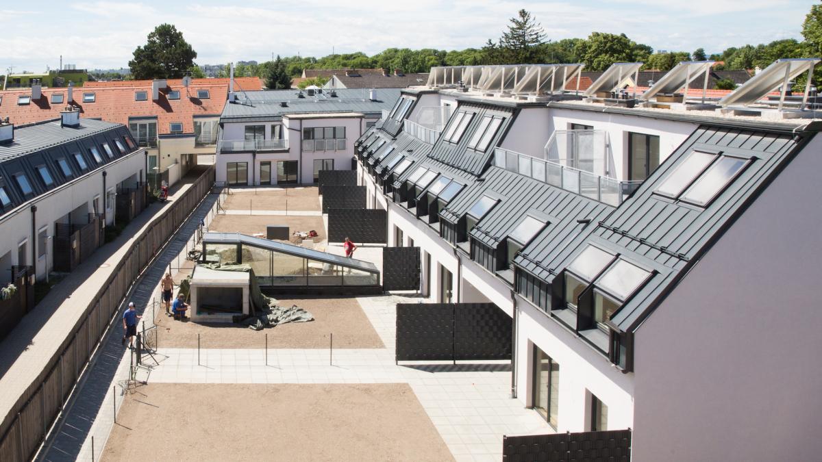 Hirschstettner Straße image 1